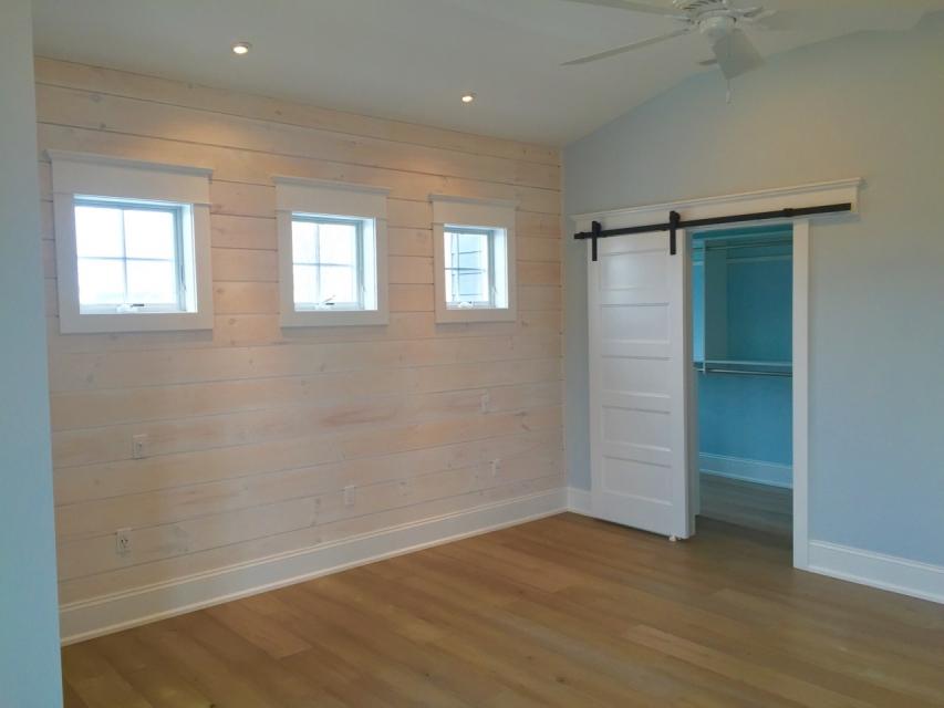 shiplap barn shiplap bedroom walls design ideas. Black Bedroom Furniture Sets. Home Design Ideas